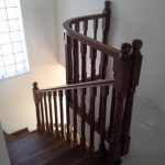 Placare scara fag baituita culoare nuc cu balustrada la rotund 11