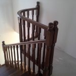 Placare scara fag baituita culoare nuc cu balustrada la rotund 9