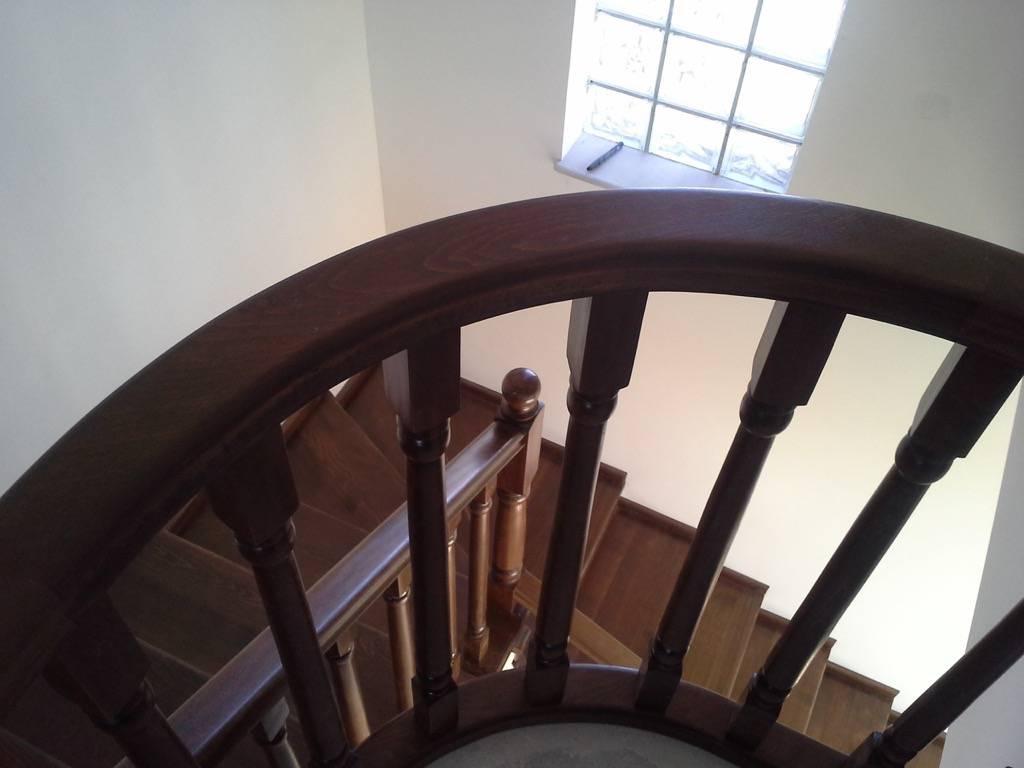 Placare scara fag baituita culoare nuc cu balustrada la rotund 7