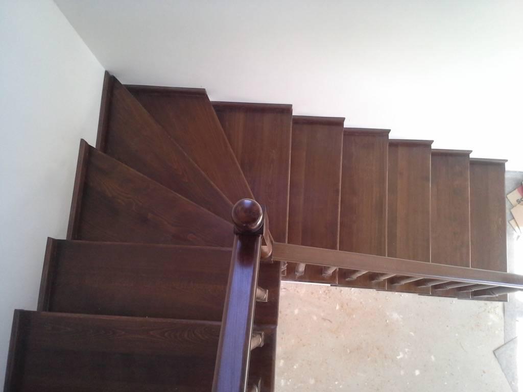 Placare scara fag baituita culoare nuc cu balustrada la rotund 6
